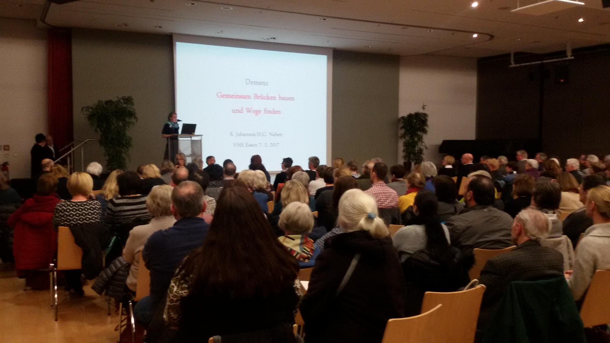 Begrüßung durch Verena Krekeler / Demenz-Servicezentrum Westl. Ruhrgebiet