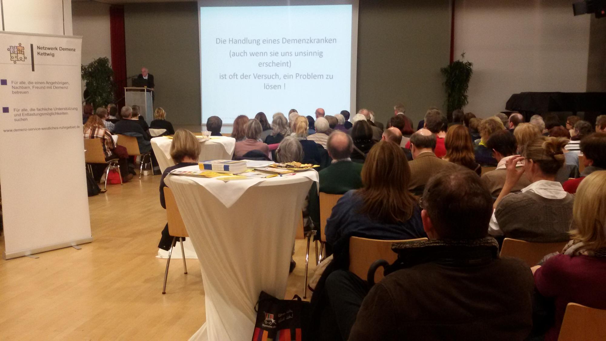 Prof. Dr. Georg Nehen erklärt, wie ein Mensch mit Demenz sich fühlt