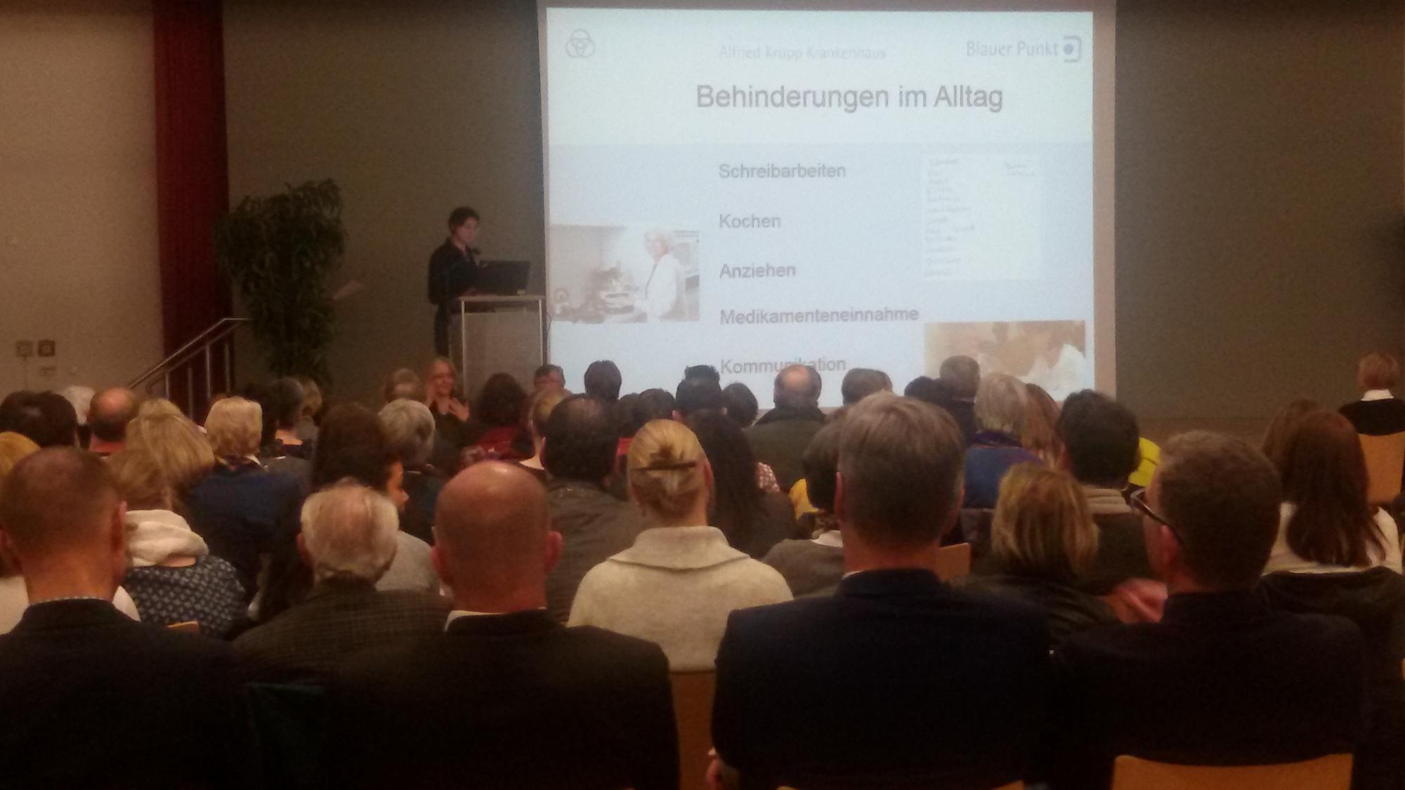 Susanne Johannes beschreibt, was bei einer Demenz passiert